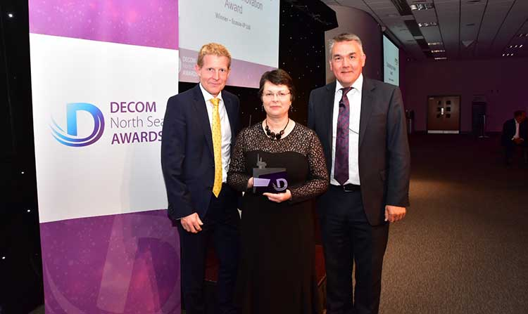 left to right: Graeme Fergusson, Managing Director Fairfield Decom, Winner of the Outstanding Innovation award Dorothy Burke Ecosse IP, John Warrender Chief Executive Decom North Sea