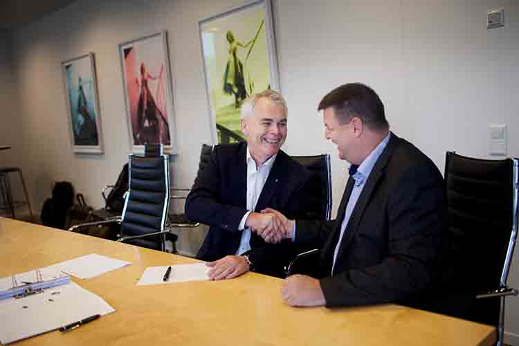 Alistair Geddes, Expro Chief Operating Officer, and Ingvar Grannes, QI Executive Vice President